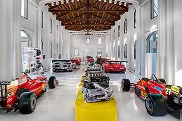 Museo Enzo Ferrari a Modena e Maranello