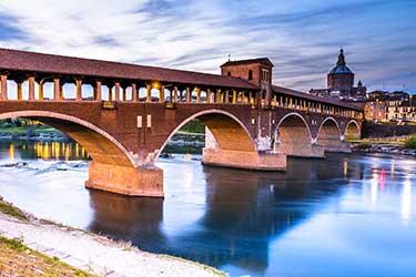 Ponte coperto e Borgo Ticino